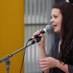Band Voices Auftritt Lesepark Sängerin