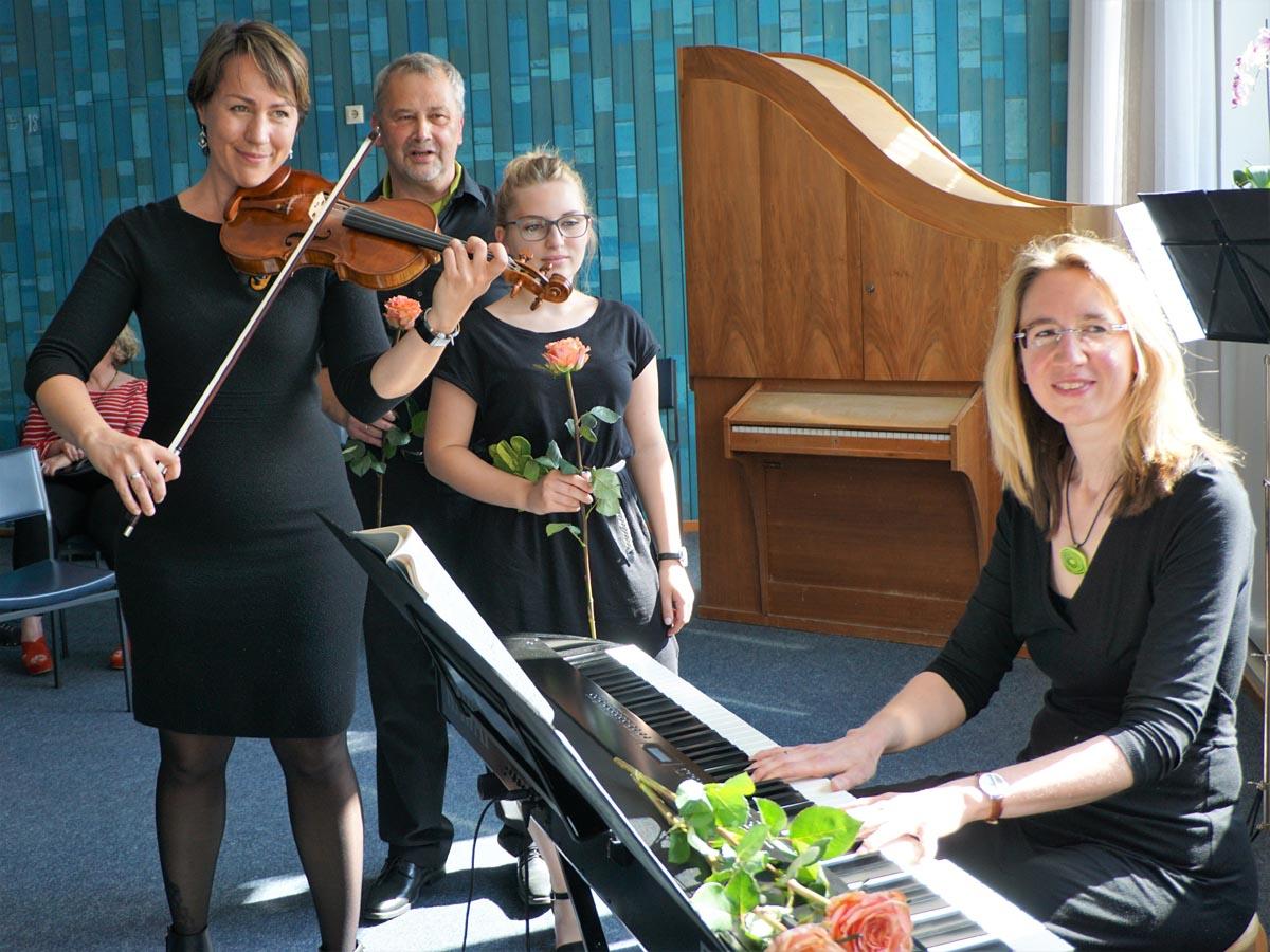 Konzert Salonmusik Geige Gesang Klavier