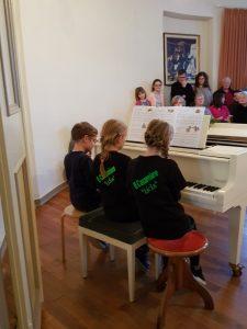 Adventskonzert Klavier sechshändig