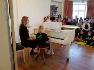Werkstattkonzert Adventkonzert Auftritt nach Klavierunterricht