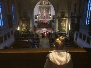 Blick von der Orgelempore vor dem Adventskonzert in St. Felicitas Bobingen