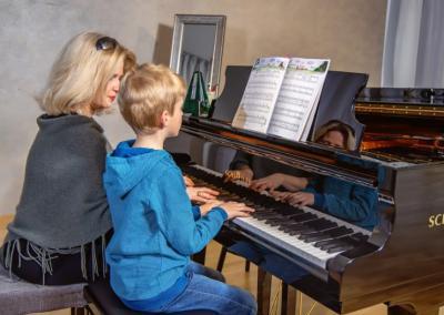 Klavierunterricht Grundschulkind