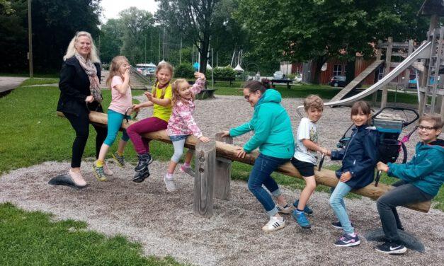 Ein Kinderchor unterwegs: Die Kids machen einen Ausflug